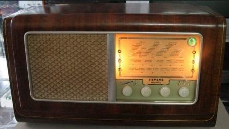 1955-RADIO D'EPOCA A VALVOLE SIEMENS